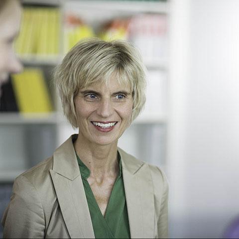 Petra Kanz | Rechtsanwältin Steuerberaterin der Kanzlei LMAT