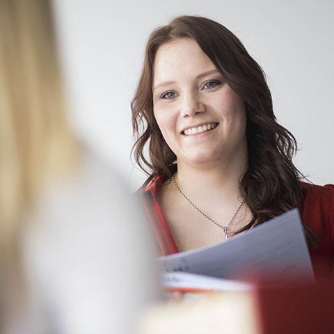 Anja Schmitt | Steuerfachwirtin der Kanzlei LMAT